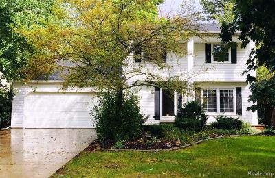 Wixom Single Family Home For Sale: 1463 Chanticlair Cir