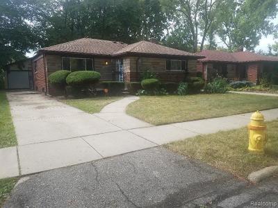 Oak Park Single Family Home For Sale: 23051 Radclift St