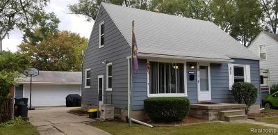 Oak Park Single Family Home For Sale: 23211 W Rosewood St