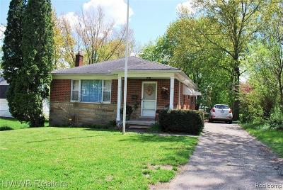 Northville Single Family Home For Sale: 821 Spring Dr