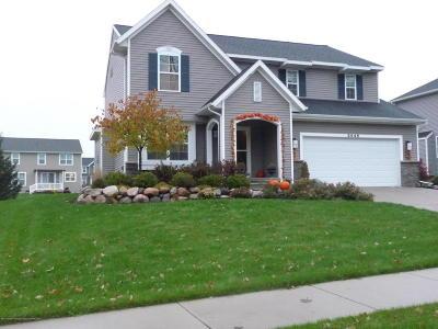 Lansing Single Family Home For Sale: 8646 Carlsbad Lane