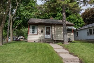 Lansing Single Family Home For Sale: 1401 Roselawn Avenue