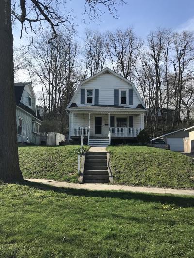 Ionia Single Family Home Active Backup: 826 W Main Street