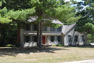 Okemos Single Family Home For Sale: 4044 Leeward Drive
