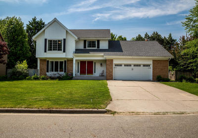 Okemos Single Family Home For Sale: 2145 Woodfield Road