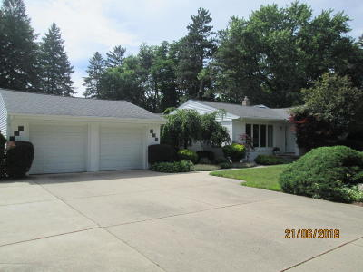 Okemos Single Family Home Active Backup: 4515 Chippewa Drive