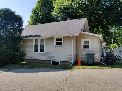 East Lansing Single Family Home For Sale: 638 N Hagadorn Road