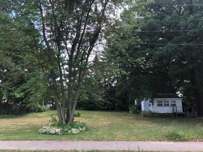 East Lansing Single Family Home For Sale: 3143 Birch Row Drive