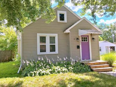 Lansing Single Family Home For Sale: 552 Paris Avenue