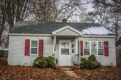 Lansing Single Family Home For Sale: 1208 Victor Avenue