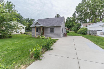 Mason Single Family Home For Sale: 410 Ann Street