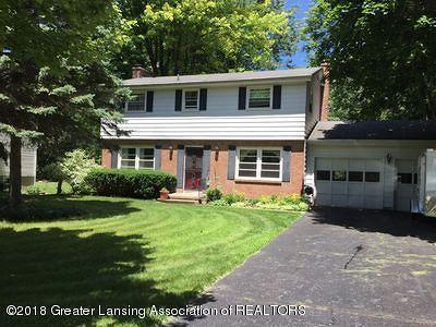 East Lansing Single Family Home For Sale: 626 Gainsborough Drive