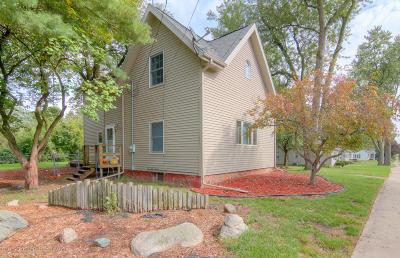 Grand Ledge Single Family Home For Sale: 316 W South Street