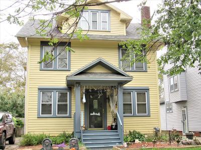 Lansing Single Family Home For Sale: 516 Bartlett Street