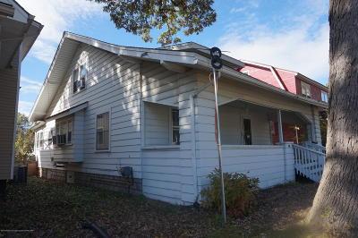 Lansing Single Family Home Active Backup: 1016 Parker