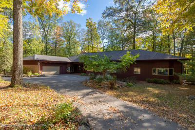 Okemos Single Family Home For Sale: 4051 Van Atta Road