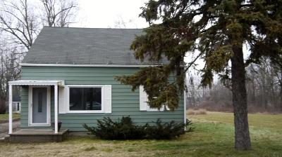 Lansing Single Family Home For Sale: 16084 S Us Highway 27