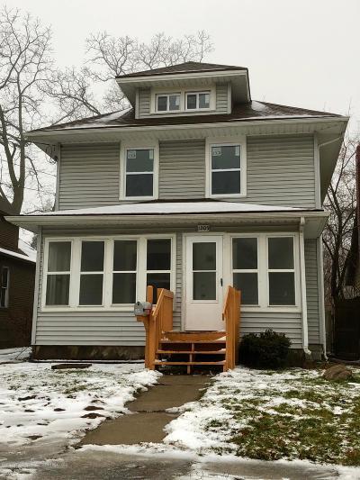 Lansing Single Family Home For Sale: 1209 N Chestnut Street