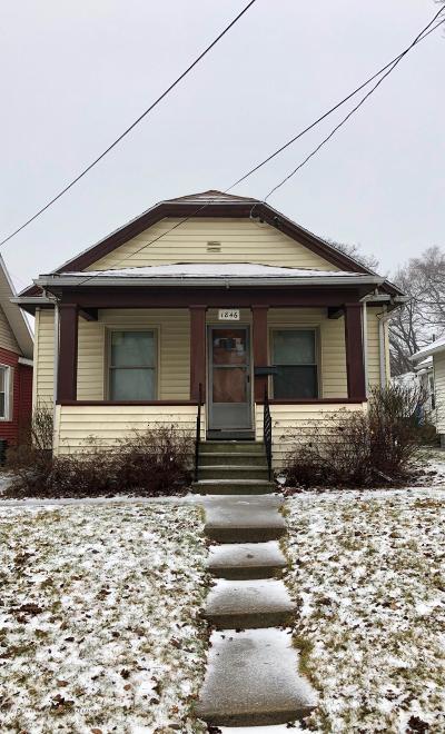 Lansing Single Family Home For Sale: 1846 Davis Avenue