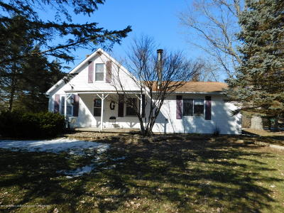 Lansing Single Family Home For Sale: 6404 Bishop Road