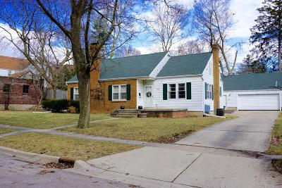 East Lansing Single Family Home For Sale: 350 Chesterfield Parkway