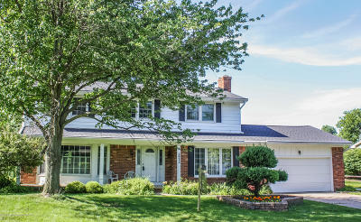 East Lansing Single Family Home For Sale: 2932 Colony Drive