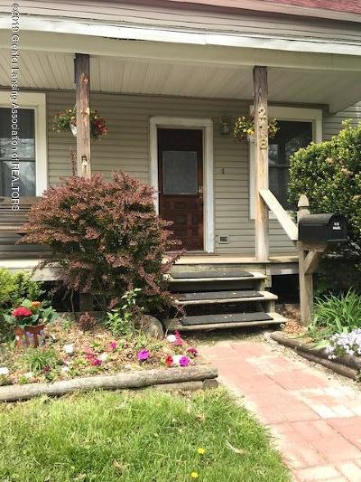 Lansing Single Family Home For Sale: 218 Moores River Drive