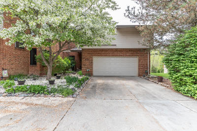 Okemos Condo/Townhouse For Sale: 2337 Coyote Creek Drive #18