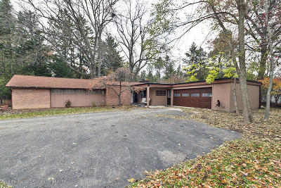 East Lansing Single Family Home For Sale: 3470 Taylor Drive
