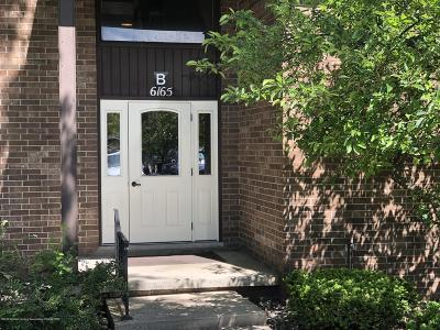East Lansing Condo/Townhouse For Sale: 6165 Innkeepers Court #71