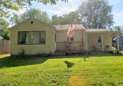 Lansing Single Family Home For Sale: 6429 Sommerset Road