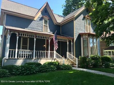 St. Johns Single Family Home For Sale: 202 W Cass Street