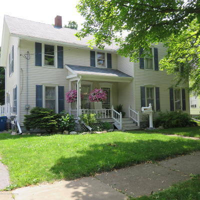 Charlotte MI Single Family Home For Sale: $155,900