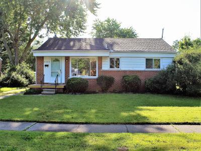 Lansing Single Family Home For Sale: 2424 Dillingham Avenue