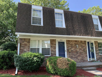 Lansing Condo/Townhouse For Sale: 6224 Beechfield Drive