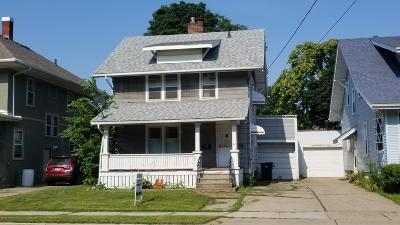 Lansing Single Family Home For Sale: 511 N Martin Luther King Jr Boulevard