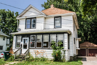 Lansing Single Family Home For Sale: 1105 Orchard Street