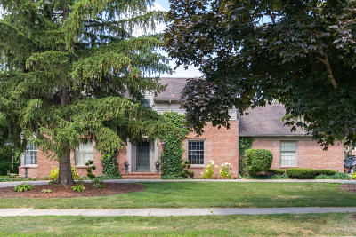 East Lansing Single Family Home For Sale: 1623 Foxcroft Road