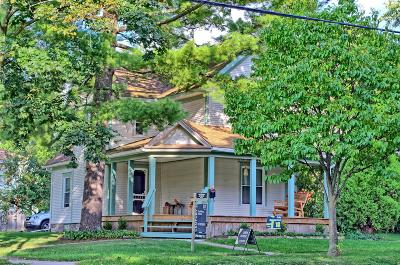 Grand Ledge Single Family Home For Sale: 326 W Main Street