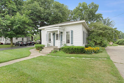 Grand Ledge Single Family Home For Sale: 815 W Jefferson Street