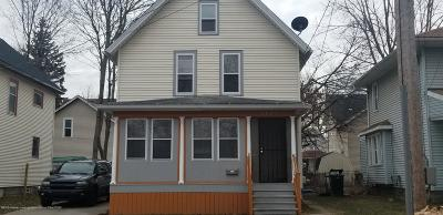 Lansing Single Family Home For Sale: 1127 W Allegan Street