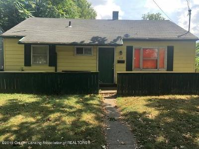 Lansing Single Family Home For Sale: 323 S Foster Avenue