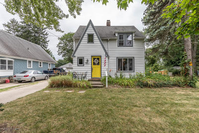 Lansing Single Family Home For Sale: 3017 Westwood Avenue