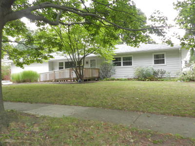 East Lansing Single Family Home For Sale: 2689 Cahill Drive