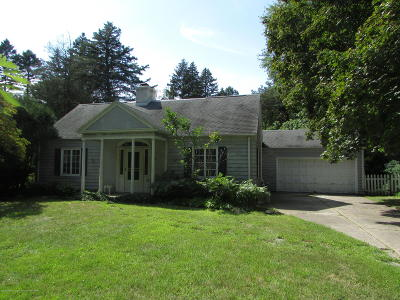 East Lansing Single Family Home For Sale: 155 Maplewood Drive