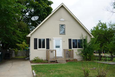 Lansing Single Family Home For Sale: 1112 Victor Avenue