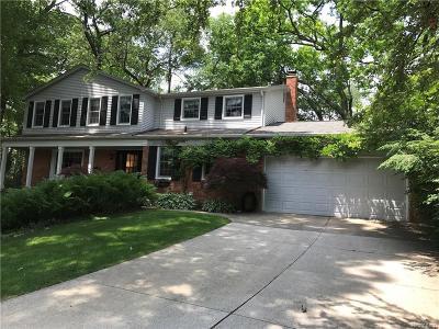 Lake Orion Single Family Home For Sale: 2812 Lunar Crt