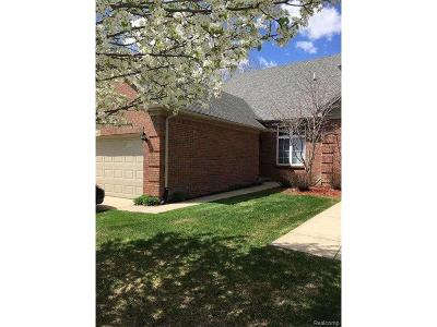 Sterling Heights Condo/Townhouse For Sale: 37445 Ryan Rd