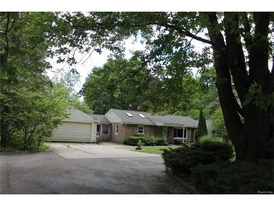 Rochester Single Family Home For Sale: 415 Whims Ln