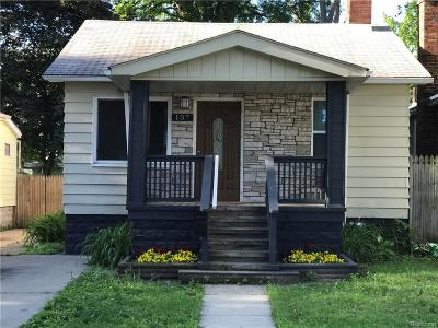 Hazel Park Single Family Home For Sale: 137 W Elza Ave